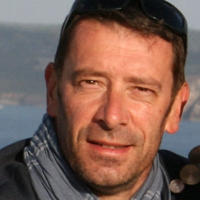 Coursier Le Petit Camion Blanc - Tony Cartron à Vallet